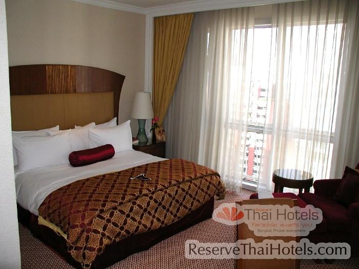 Bedroom at the Mayfair Marriott Executive serviced apartments Bangkok