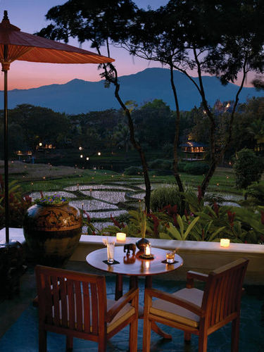 Dinner at sunset overlooking the beautiful rice terraces