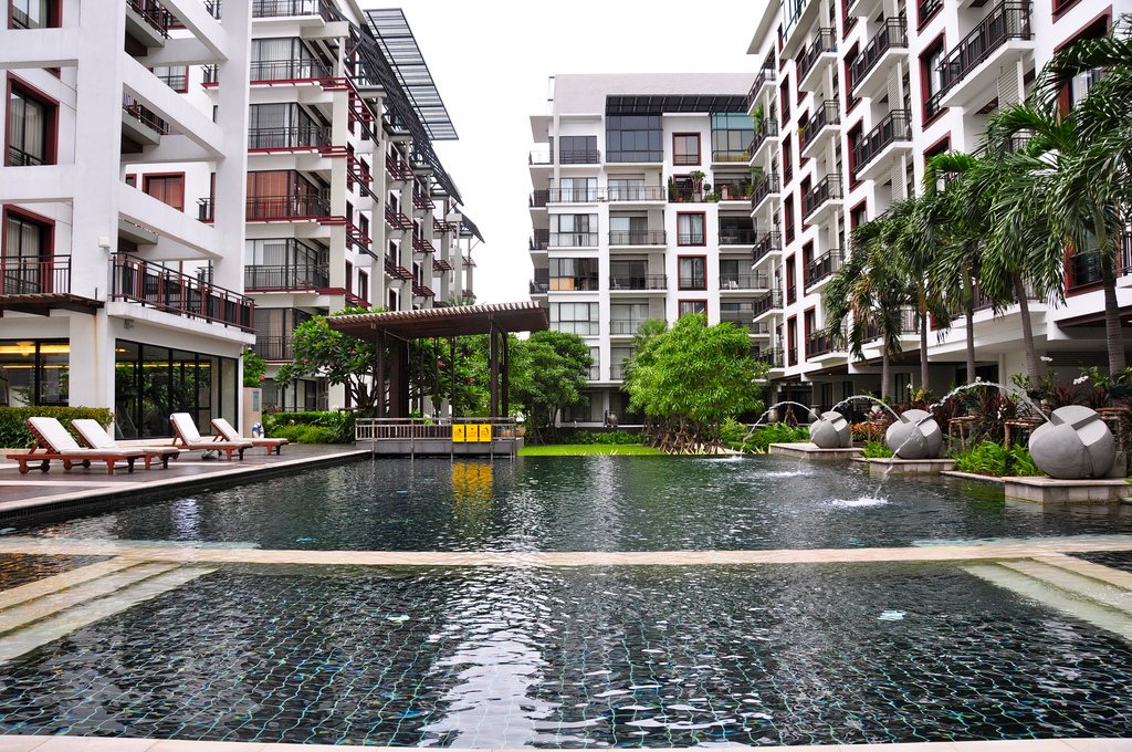 Pool and gardens at the Amanta Ratchada Serviced Apartments
